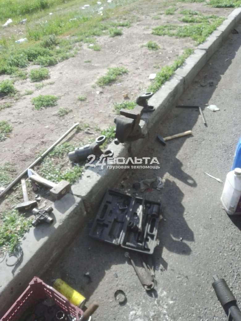 Замена крестовины карданного вала грузового автомобиля