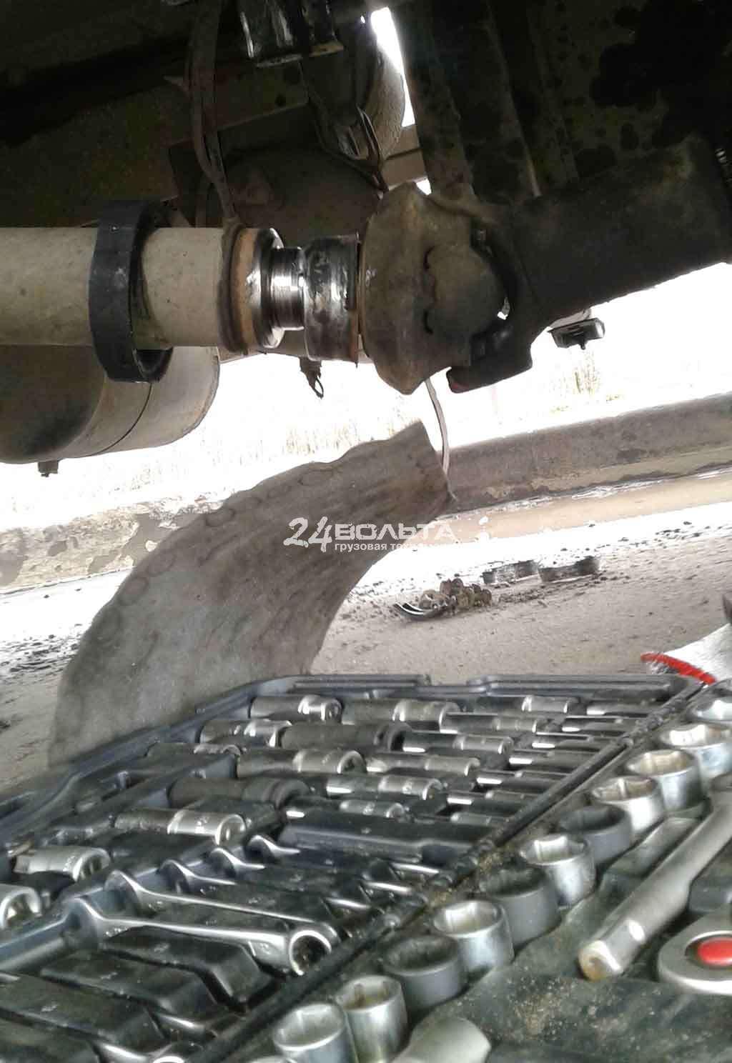 Замена подвесного подшипника Mercedes